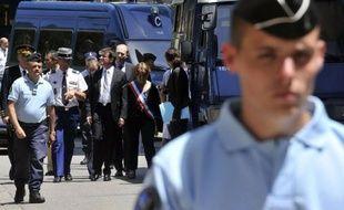 Cinq jours après le meurtre dans l'exercice de leur mission de deux femmes gendarmes dimanche dans le village de Collobrières (Var), un hommage national leur sera rendu vendredi matin à Hyères, en présence du ministre de l'Intérieur Manuel Valls.