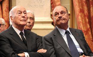 Valéry Giscard d'Estaing et Jacques Chirac côte à côte à Paris, le 1er mars 2010.