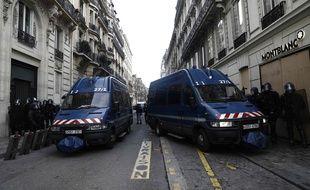 Plus de 89.000 membres des forces de l'ordre sont mobilisés samedi 8 décembre 2018 en France, dont 8.000 à Paris.