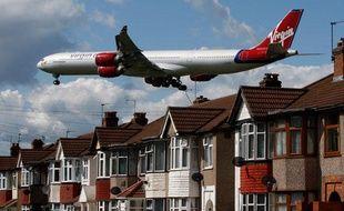 Un avion de la compagnie Virgin Atlantic avant son atterrissage sur l'aéroport d'Heathrow, Londres, le 26 mai 2009.