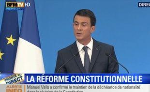 Le Premier ministre Manuel Valls lors de la présentation de la réforme constitutionnelle le 23 décembre 2015.
