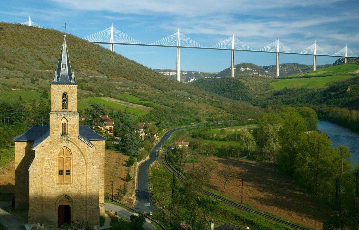 Le viaduc de Millau, dans l'Aveyron. – SUPERSTOCK/SUPERSTOCK/SIPA