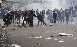 Des affrontements entre des manifestants pro-Morales et la police ont fait au moins un mort en Bolivie, le 13 novembre 2019.