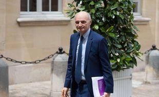 Didier Migaud, président de la Cour des comptes, s'apprête à remettre l'audit sur les finances publiques au Premier ministre Edouard Philippe, le 29 juin 2017.