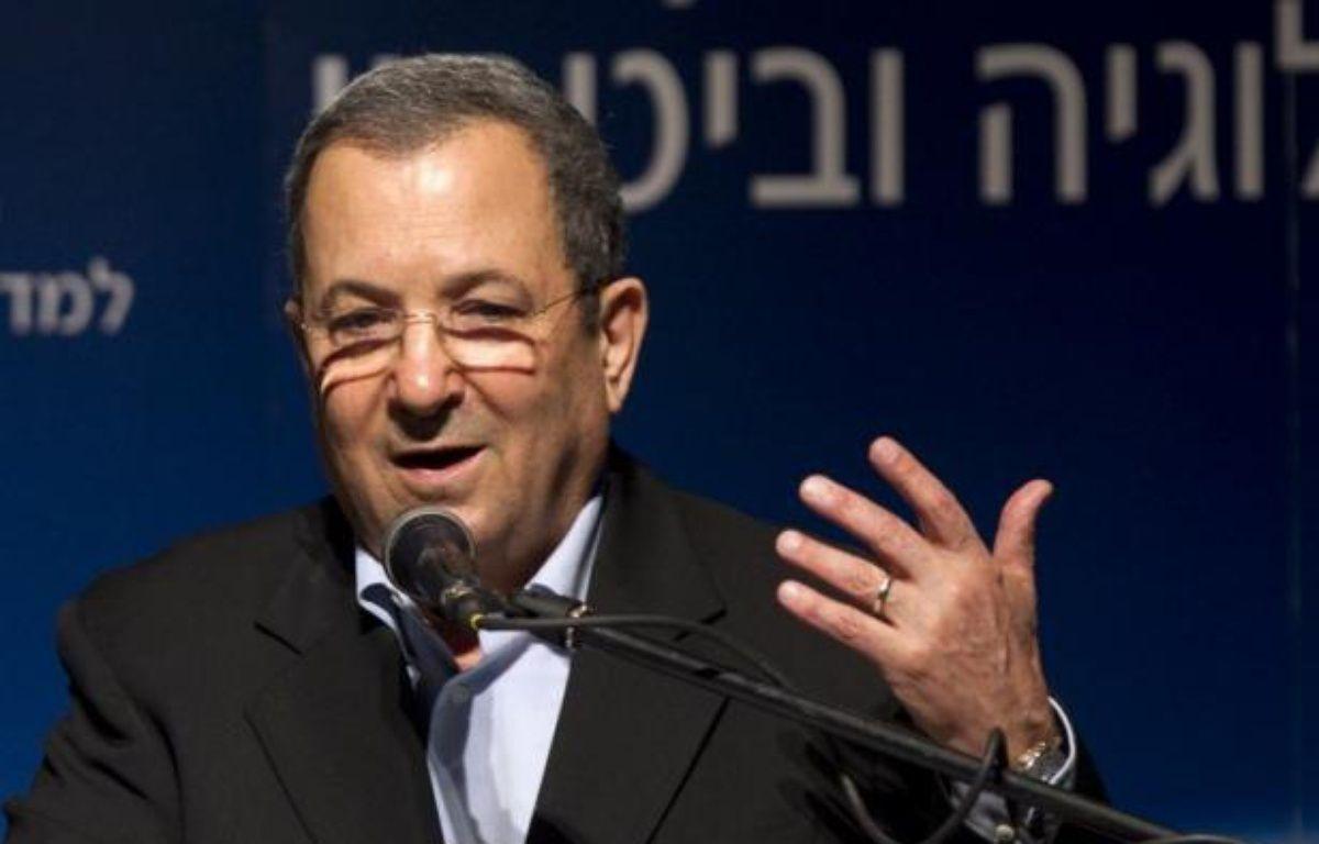 Le ministre israélien de la Défense Ehud Barak a maintenu jeudi le flou sur une éventuelle implication de son pays dans l'assassinat la veille en Syrie d'un cadre militaire du mouvement islamiste palestinien Hamas qui a dit soupçonner le Mossad israélien. – Jack Guez afp.com