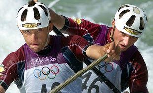 Franck Adisson (à gauche) et Sandra Forgues (à droite) lors des Jeux olympiques de Sydney en septembre 2000