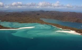 Vue aérienne de la Grande barrière de corail, le 20 novembre 2014 en Australie