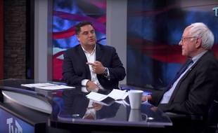 Cenk Uygur recevant Bernie Sanders le 23 mars 2016 sur la chaîne The Young Turks.