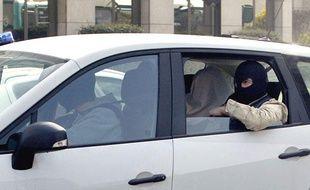 Le frère de Mohamed Merah est arrivé samedi matin au siège de la DCRI, à Levallois Perret.