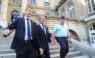 Claude Guéant en 2015 à la sortie du Palais de justice de Paris