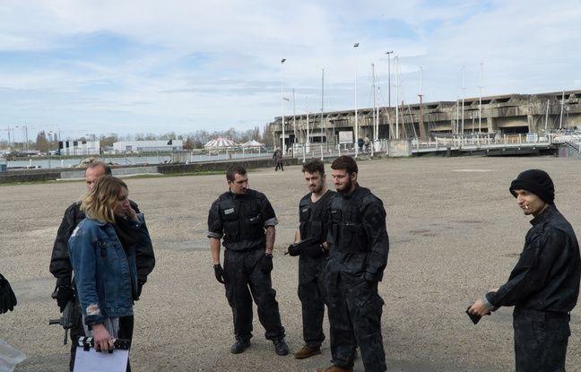 Le tournage s'est déroulé dans des lieux emblématiques de Bordeaux comme ici près de la base sous marine.
