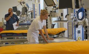 La nouvelle salle de déchocage du pavillon H de l'hôpital Edouard Herriot compte désormais 5 lits.