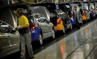 Les immatriculations de voitures neuves se sont effondrées en France en octobre, conséquence de la disparition progressive de la prime à la casse, et la situation ne va pas s'améliorer d'ici la fin de l'année.