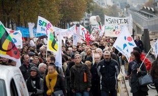 Les enseignants du departement de la Seine Saint Denis ( 93) manifestent   contre le manque de moyens. Paris, FRANCE - 20/11/2014/CHAMUSSY_084907/Credit:CHAMUSSY/SIPA/1411210856