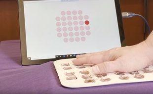 Un patch permet de reproduire la sensation du toucher.