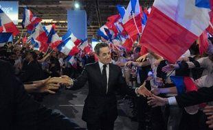 """Les militants UMP éliront les dimanches 18 et 25 novembre le nouveau président de leur parti, un poste """"gelé"""" pendant tout le quinquennat de Nicolas Sarkozy, a-t-on appris mercredi de source UMP."""