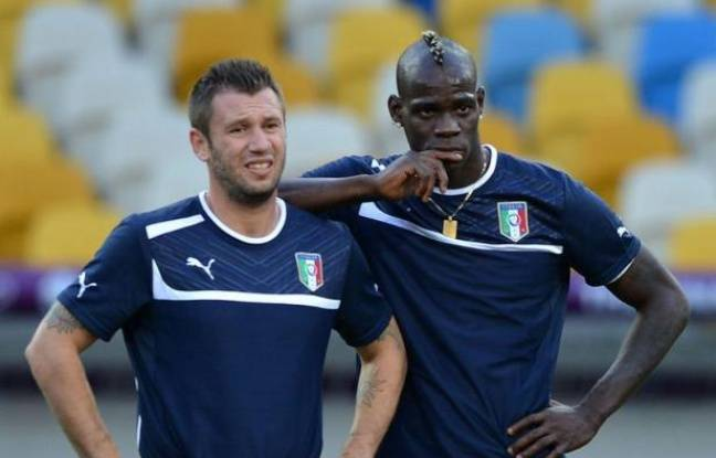 L'Italie a choisi d'aligner son onze classique pour la finale de l'Euro-2012 contre l'Espagne, avec le duo Mario Balotelli-Antonio Cassano en pointe et une charnière centrale Andrea Barzagli-Leonardo Bonucci, dimanche à Kiev.