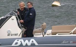 Marine Le Pen et Florent de Kersauson à La Trinité-sur-Mer, jeudi 6 mai 2021.