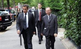 """Interrogé sur la nécessité d'une reprise du travail pour engager des négociations, Raymond Soubie, conseiller social de l'Elysée, a déclaré samedi que """"le gouvernement ne mettait absolument aucun préalable""""."""