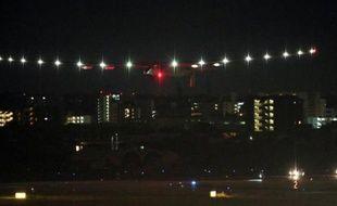 L'avion Solar Impulse décolle le 29 juin 2015 de l'aéroport de Nagoya, au Japon, en direction de Hawaii