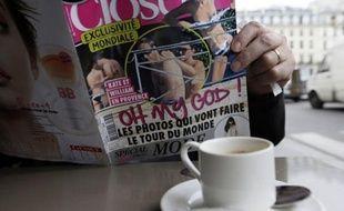 Le prince William et son épouse Kate, révoltés par les photos de la duchesse seins nus dans le magazine français Closer, ont lancé lundi un premier assaut judiciaire en référé à Nanterre pour obtenir le blocage de la diffusion des clichés.