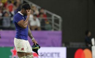 Sébastien Vahaamahina sort du terrain après son expulsion lors du quart de finale France-pays de Galles, le 20 octobre 2019.