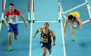 L'Américain Ashton Eaton a remporté l'heptathlon des Mondiaux d'athlétisme en salle, victoire agrémentée d'un nouveau record du monde avec 6645 points à l'issue du 1000 m, samedi à Istanbul.