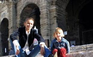Le parquet d'Aix-en-Provence (Bouches-du-Rhône), en charge désormais de l'affaire d'enlèvement d'une fillette franco-russe vendredi à Arles, a ouvert mardi une information judiciaire contre la mère de l'enfant et contre X, a annoncé le procureur de la République d'Aix-en-Provence.