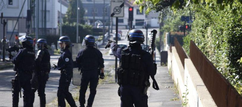 Des policiers dans le quartier du Breil à Nantes