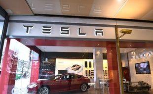 (Photo d'illustration) Une Tesla modèle S, dans une concession bruxelloise.