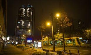 Mulhouse, le 4 décembre 2015. - La «Tour de l'Europe» éclairée du numéro téléphone pour faire des dons au Téléthon. La collecte 2015 s'élève à plus de 93 millions d'euros dont 1,8 millions d'euros de dons venant d'Alsace.
