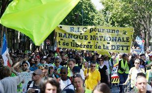 Une manifestation des «Gilets Jaunes» le 1/06/2019 à Paris. (Photo by FRANCOIS GUILLOT / AFP)