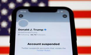 Twitter suspend les comptes qui partagent les messages de Donald Trump