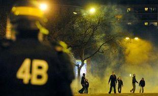 Des supporters parisiens se sont battus entre eux avant d'affronter les forces de l'ordre, avant PSG-OM, le 28 février 2010