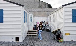 Dix-sept personnes, dont dix adultes, sont installées au village d'insertion de Lille-Fives.