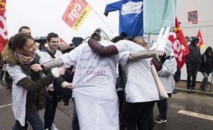 Manifestation du personnel médical a Nantes pour dénoncer leurs conditions de travail, le 7 mars 2016