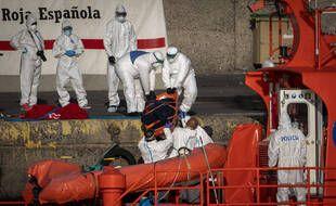 Cinq migrants venus d'Afrique sont morts en tentant de rejoindre les îles espagnoles des Canaries, ont annoncé les autorités de cet l'archipel atlantique vendredi 21 août 2020.