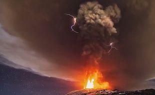 Orage volcanique en 2015 (capture d'écran).