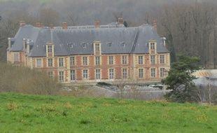 Le domaine de Grignon, avec son château qui a fière allure, est un pôle important de recherche agronomique.