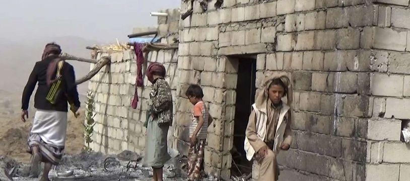 Dans le village de Yakla, des résidents retrouvent leur maison totalement ravagée par les frappes au Yémen, le 3 février 2017 (illustration).