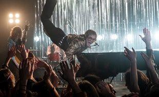 Taron Egerton dans Rocketman de Dexter Flectcher