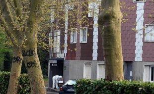 Il est soupçonné d'avoir tué une femme en novembre mais était écroué lors des trois meurtres commis depuis avec la même arme: ce quadragénaire entendu mercredi par un juge, détient peut-être la clé des meurtres en série de l'Essonne.