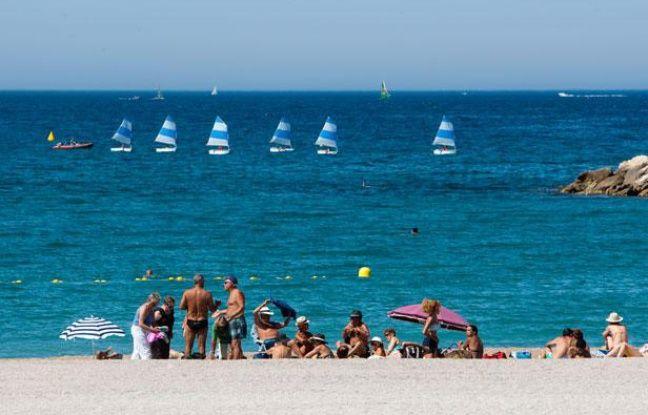 Illustration sur la saison estivale sur les plages du Prado, juin 2011.