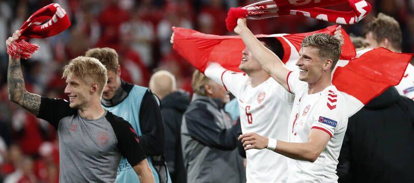 La joie des joueurs du Danemark après leur exploit de se qualifier pour les 8es de l'Euro 2021.