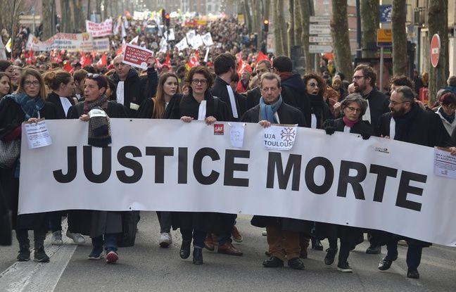 Réforme des retraites: «Plus que jamais déterminés», les avocats appelés à poursuivre la grève