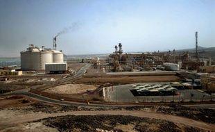 Un gazoduc codétenu par Total a été saboté dans la nuit de lundi à mardi par des hommes armés au Yémen, provoquant une interruption de l'approvisionnement en gaz du terminal de Belhaf (sud), a annoncé un responsable local.