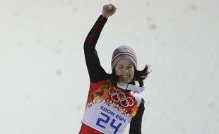 Coline Mattel, après sa médaille de bronze en saut à ski, lors des JO de Sotchi, le 11 février 2014.