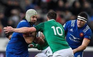 Kevin Gourdon (à gauche) face à Jonathan Sexton, lors de France-Irlande, samedi 3 février.