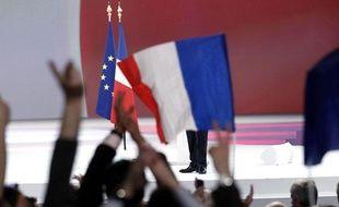 Des supporters de Nicolas Sarkozy, lors du meeting de Villepinte, le 11 mars 2012.