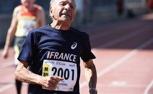 Le sprinteur vétéran Michel Claverie lors de sa deuxième place sur 100 mètres aux Mondiaux de Lyon, le 7 août 2015.